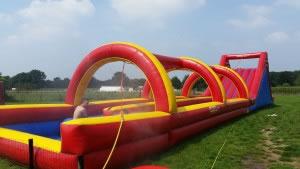 Wasserspiel Rodelbahn, Carpe Diem Events aus NRW vermietet diese Attraktion