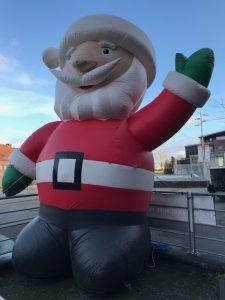 Aufblasbaren Weihnachtsmann XXL 5 mtr. hoch mieten bei Carpe Diem  Events aus NRW