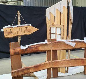 Holz Kulisse Stube zu  mieten bei Carpe Diem Events aus Selfkant, Kreis Heinsberg.