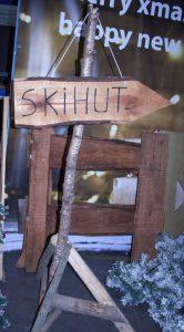 Wegweiser Skihütte zu  mieten bei Carpe Diem Events aus Selfkant, Kreis Heinsberg