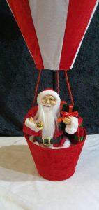 Weihnachtsmann im Luftballon zu  mieten bei Carpe Diem Events aus Selfkant, Kreis Heinsberg